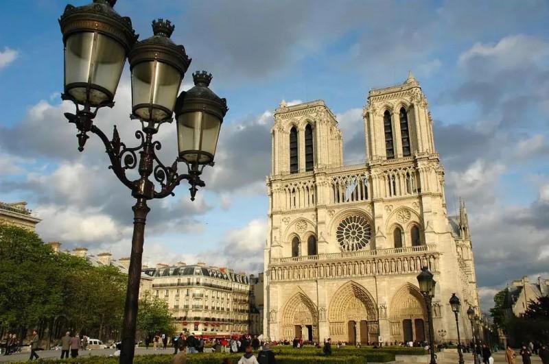 之前的巴黎圣母院